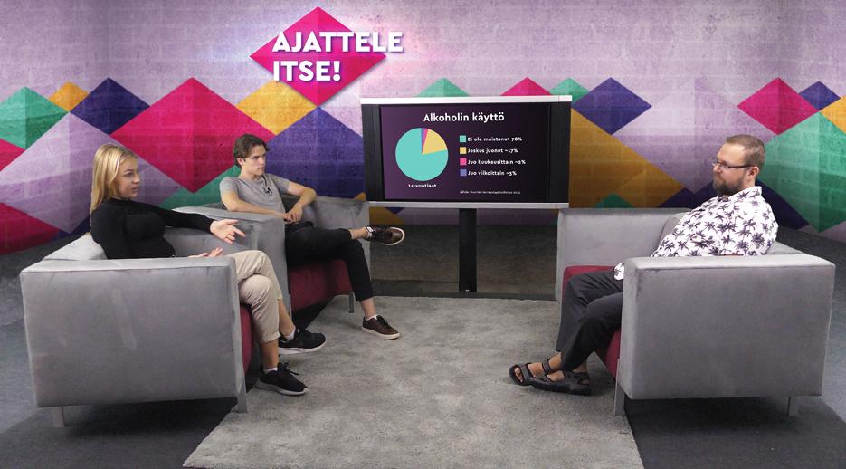 Ajattele itse! -videolla nuoret Maria Kuisma ja Markus Misukka haastattelevat tutkija Antti Maunua.
